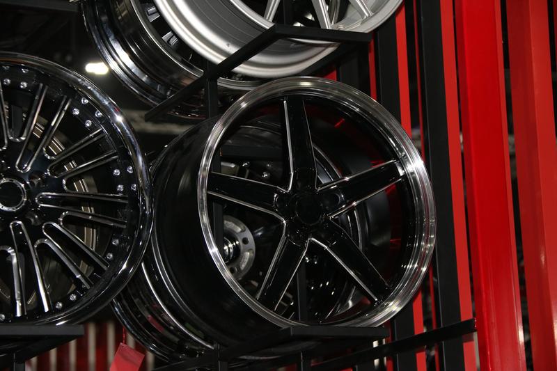black wheel alloy
